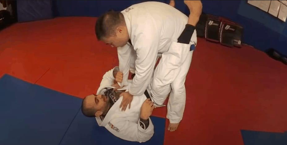 Read more about the article Best BJJ Guard Passes for Beginners